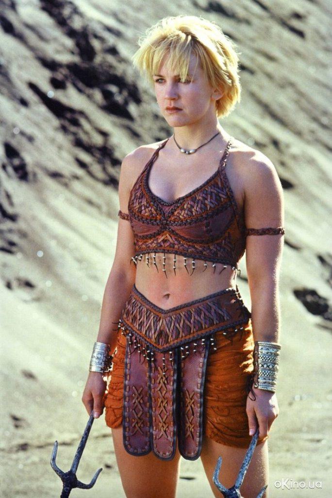izvrashennie-imena-aktris-amazonki-predpochitayut-vikingov-lizhnits-bez